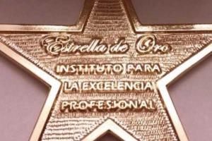 premio-estrella-de-oro-02-clinica-dental-doria-medina