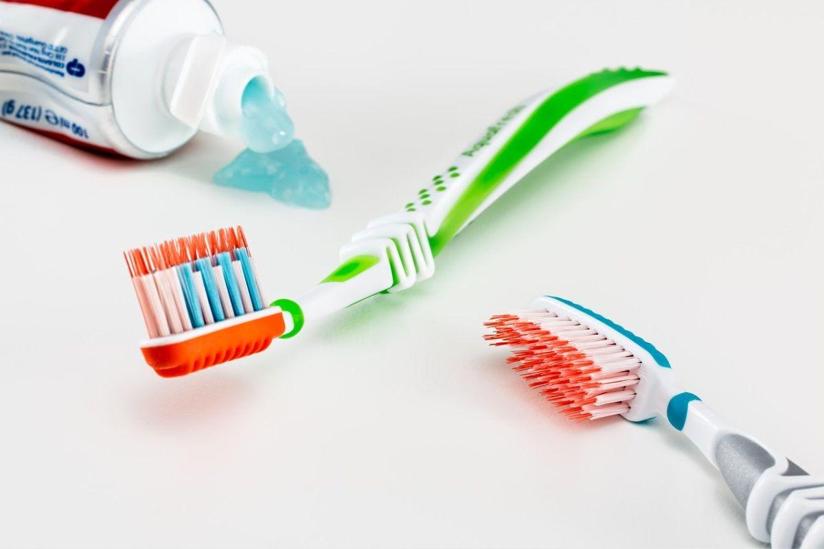 evitar contagios cepillo dientes por covid